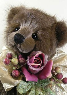 Genuine Fur Bear from recycled garments by Nancy Tillberg. Nancy creates one of a kind, & small edition teddy bears from Plush, Mohair & Reclaimed Genuine Fur. All the bears are original designs / http://www.kranbearys.com