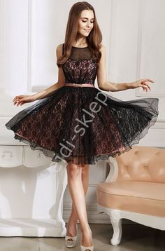 Tulle light pink dress with black lace. Tiulowo koronkowa sukienka na studniówkę , na wesele