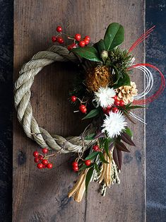 Traditional Japanese Art, Japanese Style, Christmas Wreaths, Xmas, Dried Flowers, Grapevine Wreath, Art Forms, Flower Arrangements, Bouquet