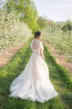 "@amsale ""Elaine"" - Strapless hand beaded ball gown with jacket l Photography: Simply K Studios"