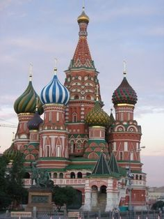 My Personal Bucketlist - discovering Moscow   Follow my life and travels on http://www,yourlittleblackbook.me