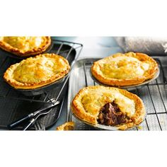 This lamb shanks pie recipe is made in the slow cooker or slow cooked in the oven. Pea or Paris mash makes a great accompaniment to this family dinner