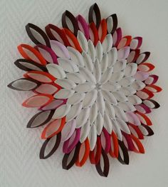Toilet Roll Craft, Toilet Paper Roll Art, Toilet Paper Roll Crafts, Diy Paper, Diy Home Crafts, Jar Crafts, Plate Crafts, Target Wall Decor, Paper Quilling Patterns