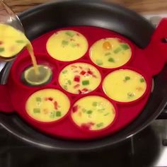 Non Stick Flippin' Pancake Maker - Flippin' Fantastic, the fast, easy and fun way to make perfect pancakes. Just lift and flip. Cool Kitchen Gadgets, Home Gadgets, Cooking Gadgets, Cooking Tools, Kitchen Hacks, Cool Kitchens, Cooking Recipes, Skillet Recipes, Cooking For Kids