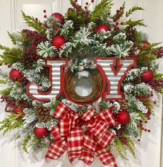 99 Totally Fun Candy Cane Christmas Decoration Ideas for Your Home - Christmas Wreaths For Front Door, Christmas Door, Holiday Wreaths, All Things Christmas, Winter Christmas, Christmas Holidays, Christmas Decorations, Holiday Decor, Christmas Reef