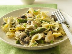Bow-Tie Pasta with Chicken and Asparagus