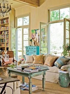 Cool Good Family Room Colors for The Walls Along with your kitchen, your family room is probably where you and your family spend most of your time, so has to be painted in a color you can live ...