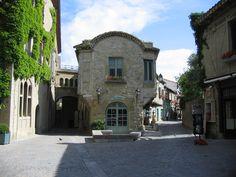 Carcassonne interieur de la vieille ville
