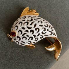 Купить Винтажная брошь JJ, Рыбка в интернет магазине на Ярмарке Мастеров