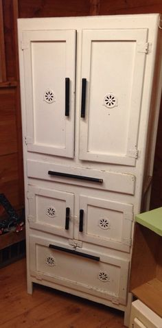 40s Kitchen Cabinets