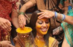 Use Turmeric Powder to Get Rid of Acne Scars
