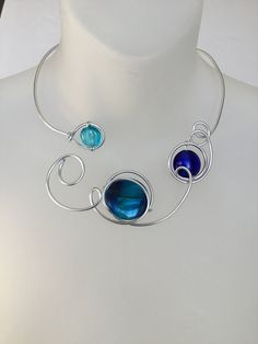 Blue open front necklace, Metal wire necklace, Alu wire necklace, Blue glass necklace, Blue design jewelry, blue funky necklace, bridesmaid Wire Necklace, Metal Necklaces, Glass Necklace, Collar Necklace, Bride Earrings, Wedding Earrings, Bridesmaid Jewelry, Bridesmaids, Cardboard Jewelry Boxes