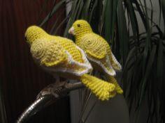 hækle opskrift på kanariefugle. fra bogen flere hæklede fugle m,m