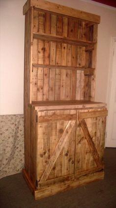 DIY Pallet Dresser