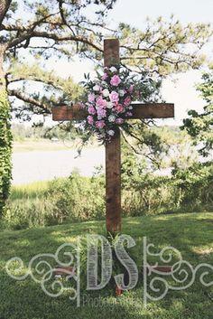 Handmade wooden cross with flower arrangement for outdoor wedding ceremony decor Windsor Castle Park, Smithfield, VA
