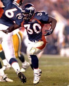 Terrell Davis, el mejor corredor de los Broncos de Denver, lastima que su carrera se vió truncada por las lesiones