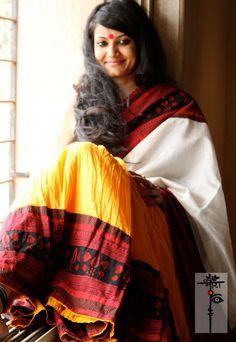 Mora Handloom Sarees by Ritika Mittal Yellow Saree, Simple Sarees, Dressing Sense, Indian Fabric, Cotton Saree, Cotton Skirt, Traditional Sarees, Handloom Saree, Indian Dresses