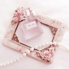 思わずパケ買い 見た目もキュートで香りもよいおすすめ香水7選