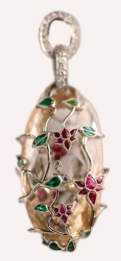 Fancy Color Diamond Pendant   Munnu The Gem Palace