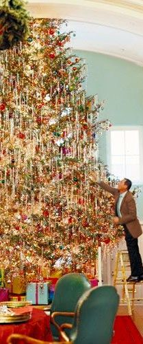 The most beautiful Christmas Tree by designer Richard Keith Langham. What a project!