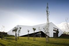 Architecture And Nature - Modern Hotel In The Vineyards, Portugal Folding Architecture, Innovative Architecture, Facade Architecture, Amazing Architecture, Destin Resorts, Hotels And Resorts, Portugal, Studio Mk27, Facade House