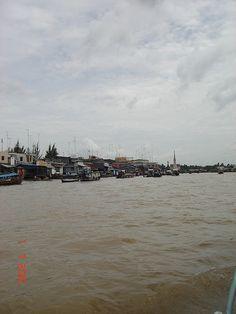 Chợ nổi Cái Bè     http://maylocnuoc.biz.vn/loc-nuoc.html  http://maylocnuoc.biz.vn/may-loc-nuoc-ro-europura-105n.html  http://maylocnuoc.biz.vn/  http://maylocnuoc.biz.vn/may-loc-nuoc-ro-tinh-khiet-gia-dinh-gia-re-uong-truc-tiep.html