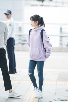 Have a look at each of these journey clothes to feature to all of your journey design and style outfit collection! Korean Girl Fashion, Korean Fashion Trends, Iu Fashion, Kpop Fashion Outfits, Ulzzang Fashion, Korean Street Fashion, Korean Outfits, Asian Fashion, Look Fashion