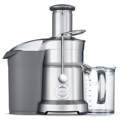 This commercial-quality juicer gets the most juice out of a wide variety of fruits and vegetables, from delicate berries to crisp apples. The titanium-finished appliance features five speeds for all j