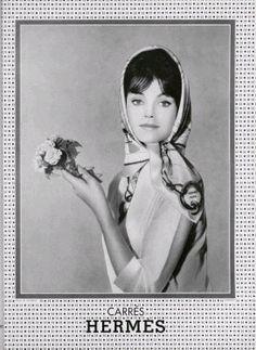 When Hermes is as fresh as spring flowers. Retro Mode, Mode Vintage, Vintage Ads, Vintage Posters, Vintage Designs, Hermes Vintage, Vintage Woman, Vintage Models, Vintage Vibes