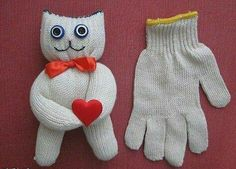 DIY Fun Recycled Mitten Crafts Tutorials - Kids Holiday Craft Fun: Make Cute mitten snowman, squirrel, dolls out of your old gloves, rice and a Styrofoam. Holiday Crafts For Kids, Diy For Kids, Crafts To Make, Fun Crafts, Help Kids, Sock Crafts, Fabric Crafts, Sewing Crafts, Sewing Projects