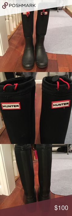 Hunter boots in canvas and rubber Pre loved hunter boots. Still in great condition and have a ton of life left ! Top part is canvas while bottom is rubber as you can see in the photos. Easy to fold over for travel. The one stretchy strap is super loose as you can see in the last photo. I never used the straps as there is no need for tightening. Will come with original box Hunter Boots Shoes Winter & Rain Boots