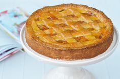 Wist je dat de favoriete appeltaart van Najib Amhali een appeltaart met geraspte appel is? Lekker zachte stukjes appel met een knapperige rand.