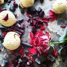 #icecream #licorice #lakrids #wauw #ankan #foodphotographer @wolfgangkleinschmidt #foodstylist #elisabethjohansson #queenoflicorice