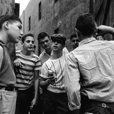 The Manhattan 'Brotherhood Republic' – Pictures of a Teenage Street Gang in New York City in 1955