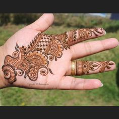 New Tattoo Mandala Design Drawings Hand Drawn Ideas Palm Henna Designs, Mehndi Designs For Girls, Mehndi Designs 2018, Stylish Mehndi Designs, Mehndi Designs For Fingers, Wedding Mehndi Designs, Mehndi Design Pictures, Henna Designs Easy, Beautiful Mehndi Design