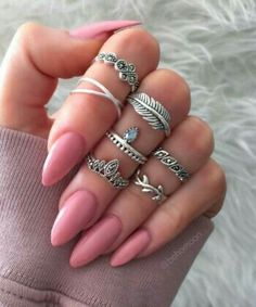 How to Make Nails Grow Faster & Stronger – Most Effective Remedies - Haircut Ideas - Nageldesign Make Nails Grow, Grow Nails Faster, How To Do Nails, Cute Gel Nails, Cute Acrylic Nails, Glue On Nails, Pink Nails, Gorgeous Nails, Pretty Nails