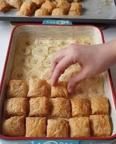 Every day for brand new recipes . Pastry Recipes, Cake Recipes, Dessert Recipes, Cooking Recipes, Mini Desserts, Delicious Desserts, Yummy Food, Cake Recipe Using Buttermilk, Profiteroles Recipe