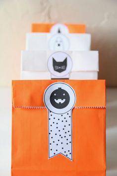 DIY Halloween Ribbon Treat Bags    ardor