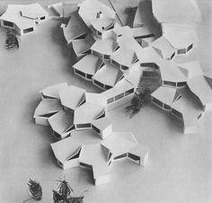 School in Berlin - Reinickendorf / by Sergius Ruegenberg / / via betonbabe Module Architecture, Concept Models Architecture, Paper Architecture, Architecture Design, Architectural Engineering, Architectural Models, Urban Design Concept, Arch Model, Parametric Design