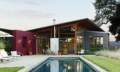 Modern country style (© Thomas J. Story)