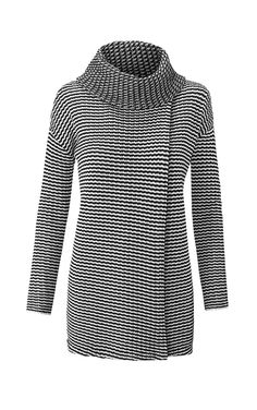 A chic and fun take on a fall essential. The relaxed fit Fergie Turtleneck opens completely with an overlay slit in the front and back for a perfectly…