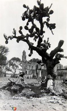 Fotos de Tepotzotlán, México, México: INDIGENAS TRABAJANDO hacia 1945