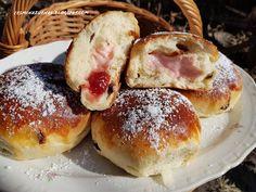 Pudingové koláče Pretzel Bites, Bagel, Hamburger, Bread, Food, Basket, Bulgur, Brot, Essen