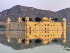 "#Rajasthan, il ""Paese dei Re"". Lo stato più affascinante e suggestivo dell' #India.  #travel #viaggi #travellers #viaggiare #mostbeautifulpages #stunningplaces #beautifulplaces"