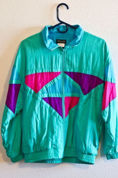 Ridiculous (and Nostalgic!) 90s Fashion Trends I still rock the windbreaker every once in awhile :)