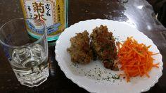 【梅肉風味のサルシッチャとオーガニック人参のマリネ】 イタリア料理の日本でいうソーセージを作りました。今回日本酒に合わせるために、梅を使用したところがポイントです。ちょっと形が崩れましたが、和テイストで良く合いますよ。オーガニック人参のマリネも酢と塩と良質な油だけで仕上げていい感じ。今回は菊水のふなくちと食卓を共にしました。【きくりんさん】