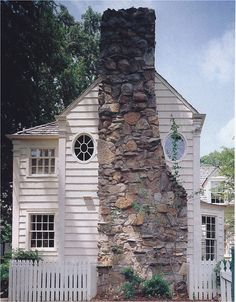 Incredible Stone Facade Design to Spike up Design of Buildings Facade Design, Exterior Design, House Design, Cottage Living, Cottage Style, Colonial Cottage, Farm Cottage, Cottage Gardens, Cottage Homes