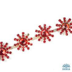 Swarovski, engarzados y cadenas | Mercería Dunia Swarovski, Instagram, Red, Margaritas, Chains, Crystals