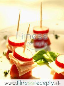 Slávnostné jednohubky Panna Cotta, Ethnic Recipes, Fitness, Food, Dulce De Leche, Essen, Meals, Yemek, Eten
