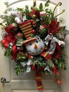 Cute snowman wreath!